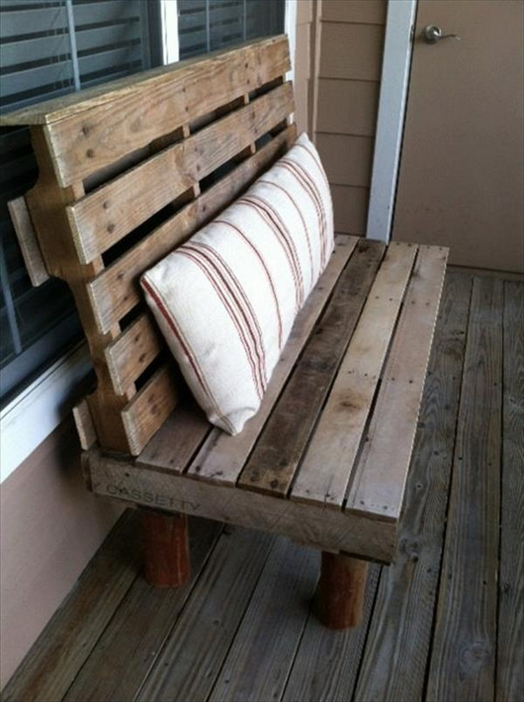 Wooden pallet bench plans recycled things for Pallet furniture projects