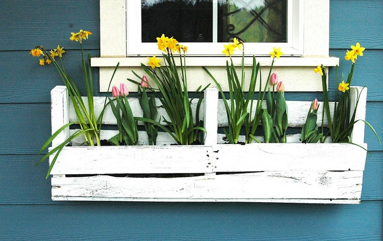 Wooden Pallet Flowers Planter Box