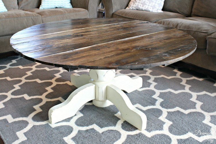 Diy pallet round coffee table plans recycled things What to put on a round coffee table