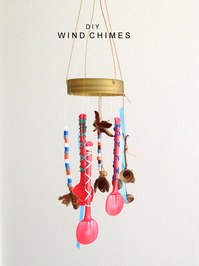 Diy upcycled wind chime ideas recycled things for Easy to make wind chimes