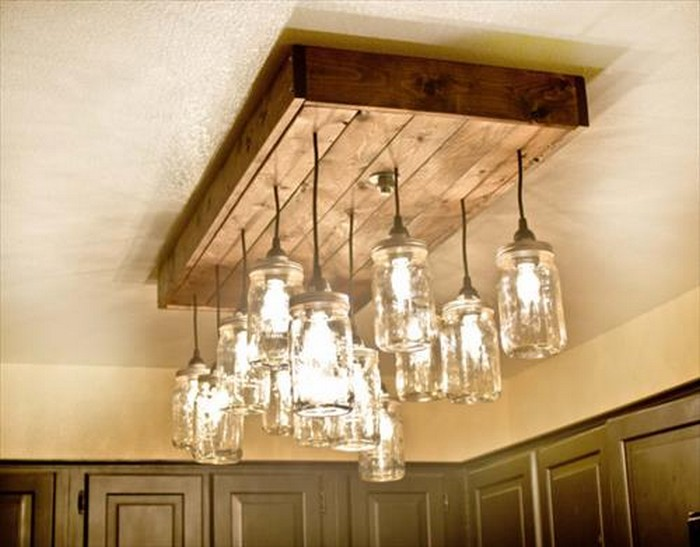 DIY Wood Pallet Chandelier