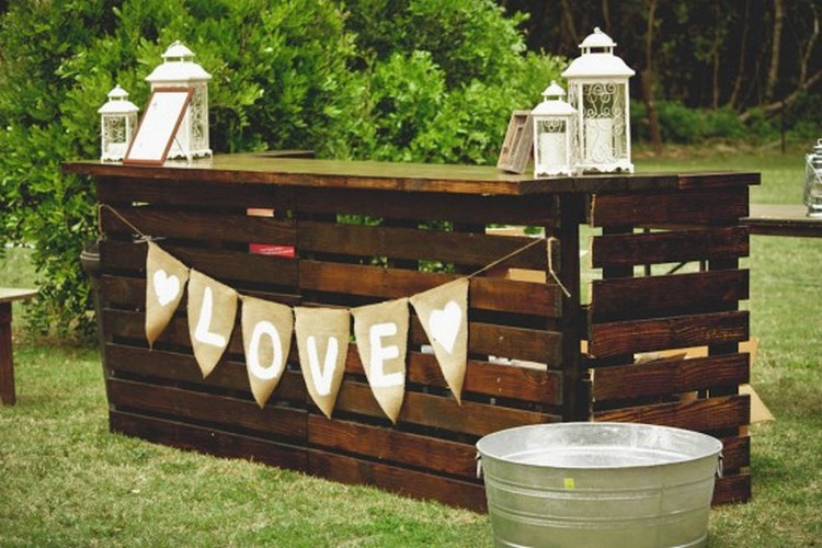 Recycled pallet patio bar plans recycled things for Balcony restaurant and bar