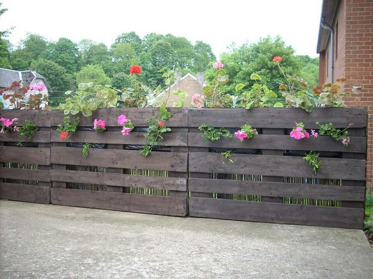 Recycled pallet fence plans recycled things for Wood pallet fence plans