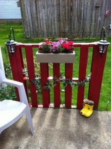 Recycled Pallet Fence Plans