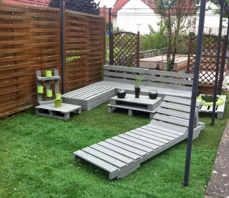 Garden Furniture Using Pallets wooden pallet outdoor furniture ideas | recycled things