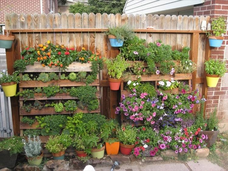 Wood Pallet Vertical Garden