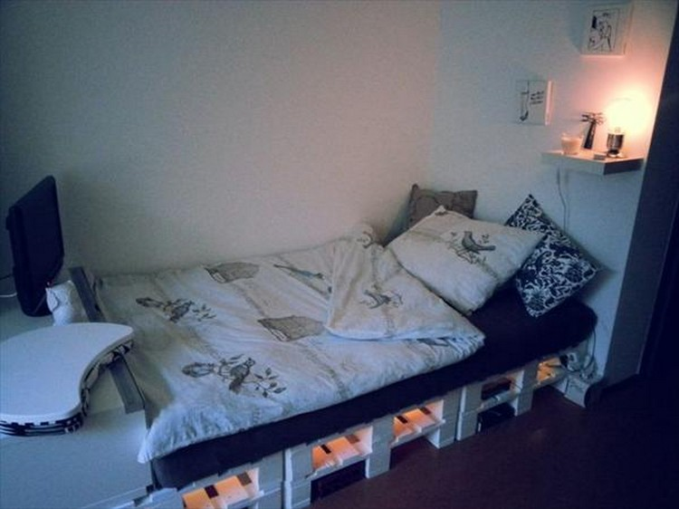 Pallet Bed With Lights recycled pallet bed with lights | recycled things