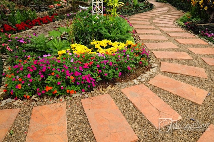 Garden Walkway Ideas 27 easy and cheap walkway ideas for your garden Garden Walkway Idea