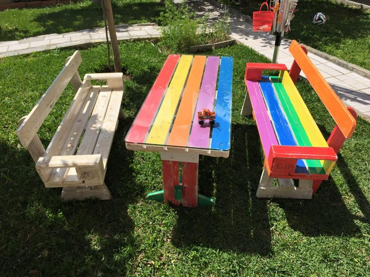 Pallet Bench and Table for Kids