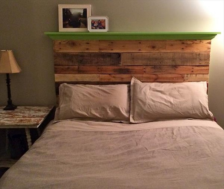 ... Pallet Headboard with Shelf ...