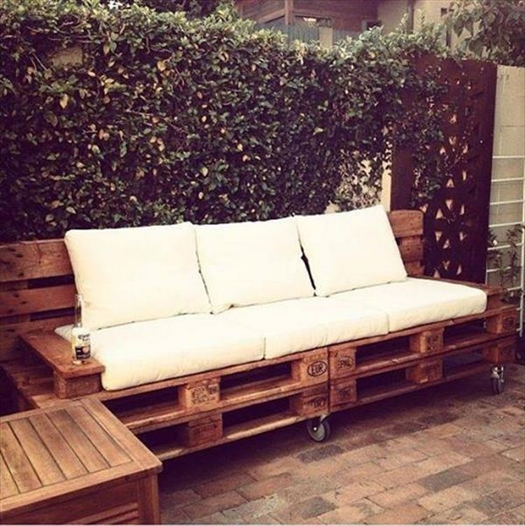 Pallet Wood Sofa On Wheels Recycled Things