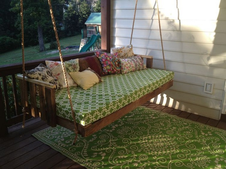 Pallet Wood Swing Bed