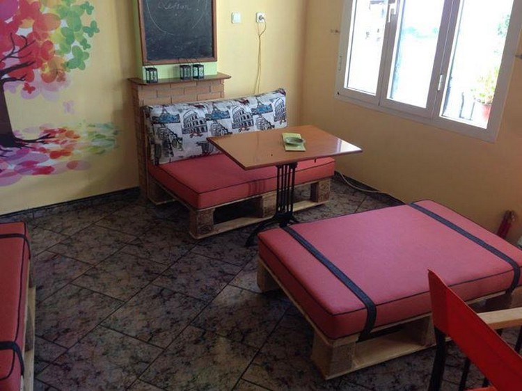 Recycled Pallet Cafe Furniture