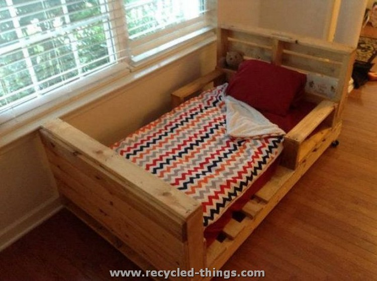Pallet toddler bed plans recycled things - Camas con palets ...