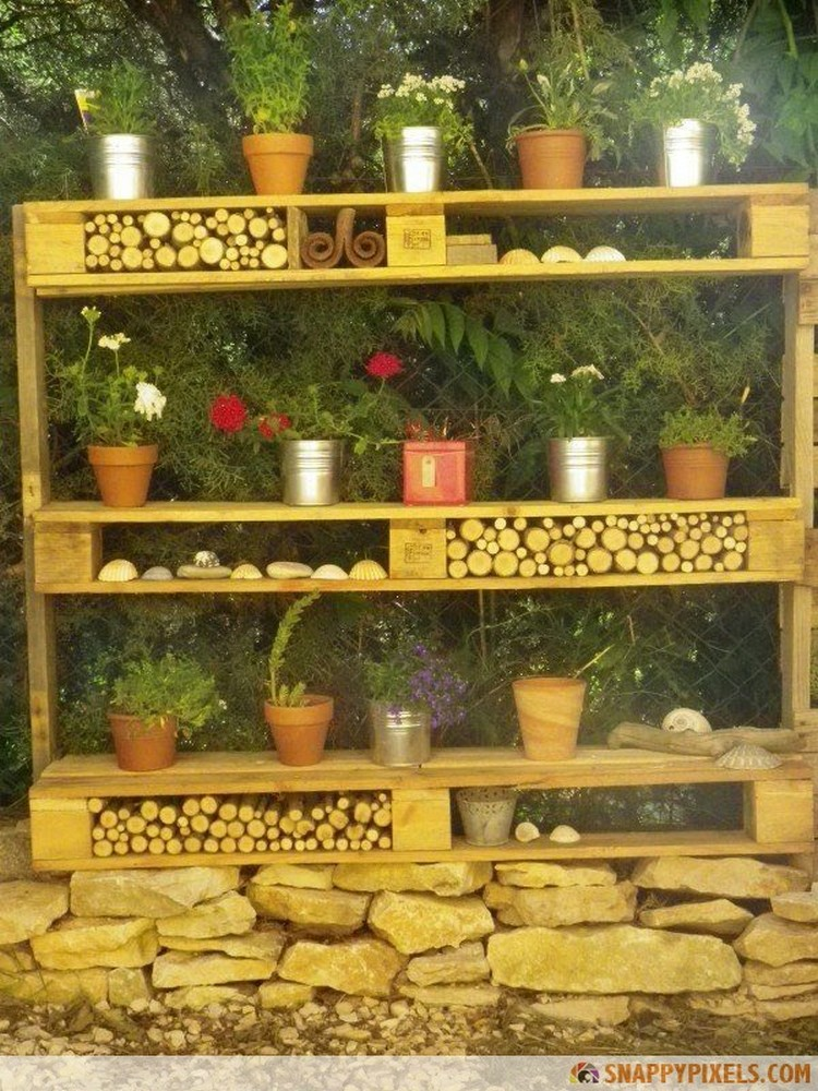 21 wonderful used pallet projects recycled things for What can you make with recycled pallets