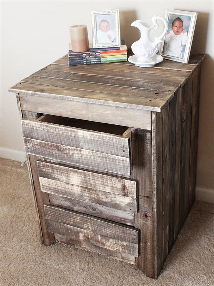 Pallet End Table with Drawers