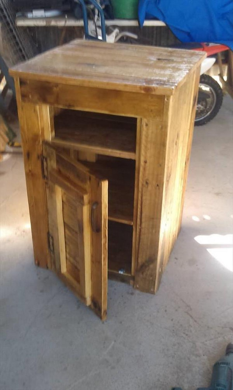 Pallet end tables with drawers recycled things - How to make table out of wood pallets ...