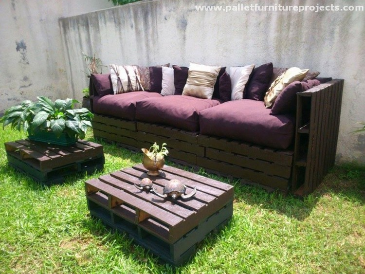 Pallet Sofa with Coffee Tables