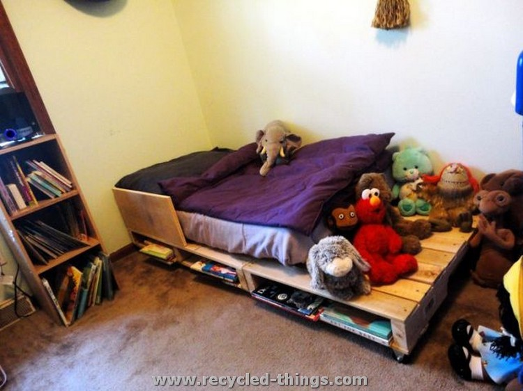 Pallet Toddler Bed Ideas