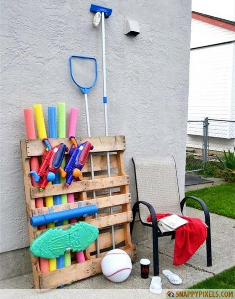 Pallet Toy Organizer
