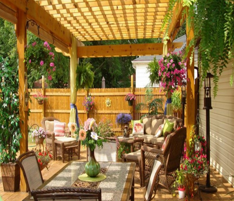 Amazing techniques to decorate your pergola recycled things for Small garden decoration