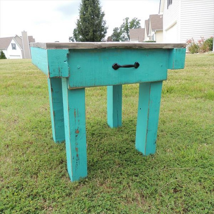 Recycled Pallet End Table with Drawers