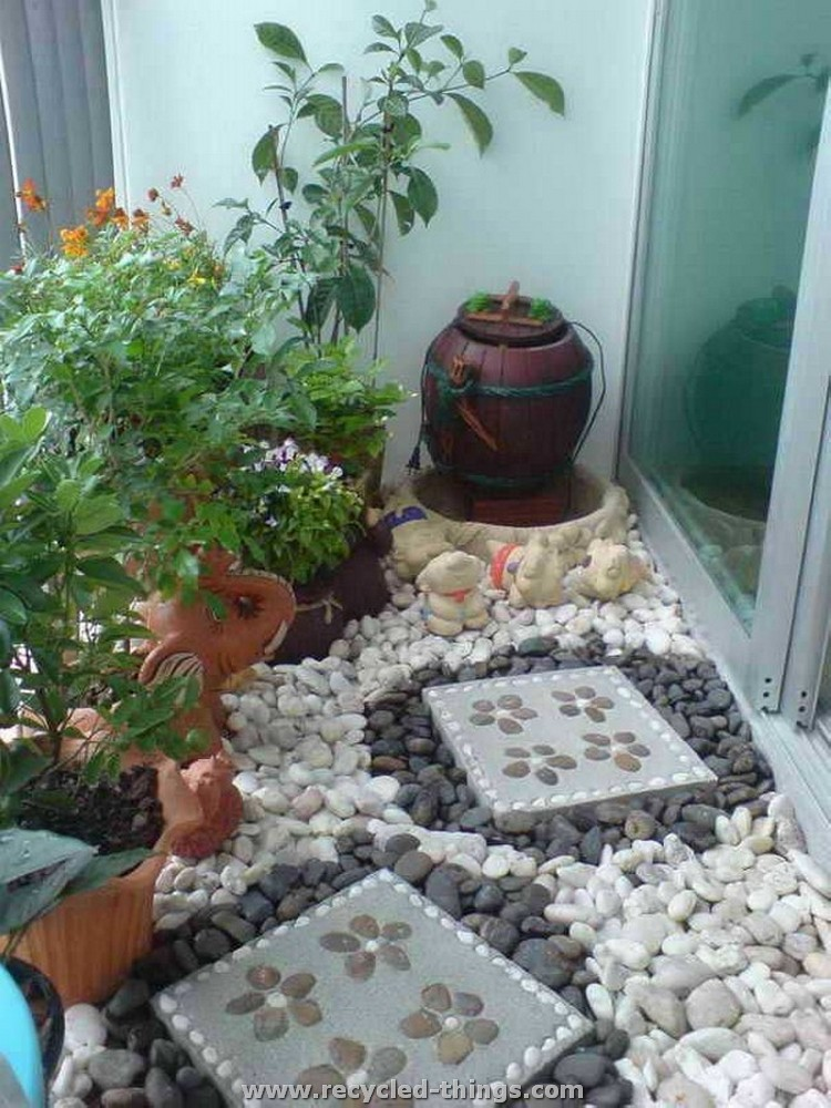 Ideas for home decorating with stones recycled things for Outdoor decorating with rocks