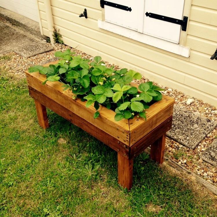 Cute Pallet Planter Box