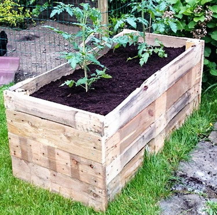 Old Pallet Planter Box