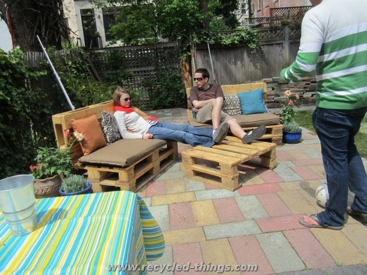 Outdoor Furniture From Pallet Wood