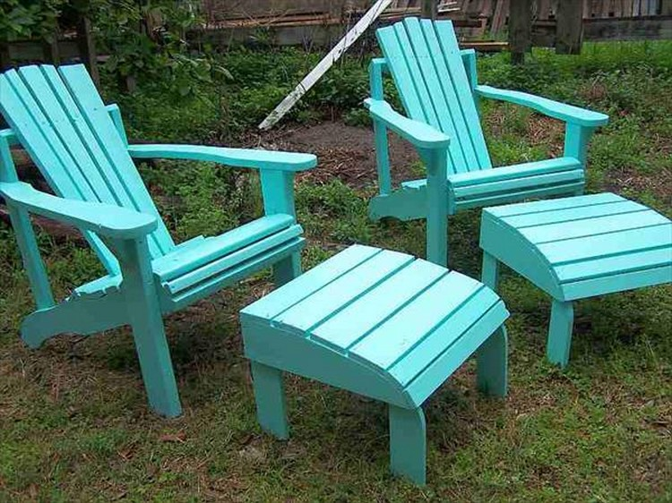 Pallet Adirondack Chairs and Ottoman