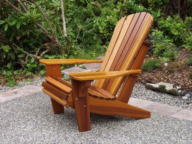 Pallet Wood Adirondack Chair