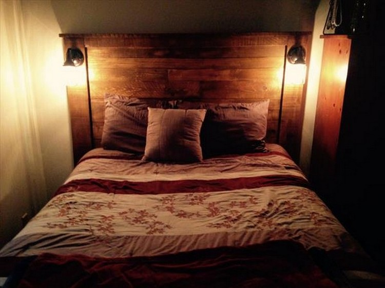 Recycled pallet headboard with lights recycled things for Pallet bed frame with lights pinterest
