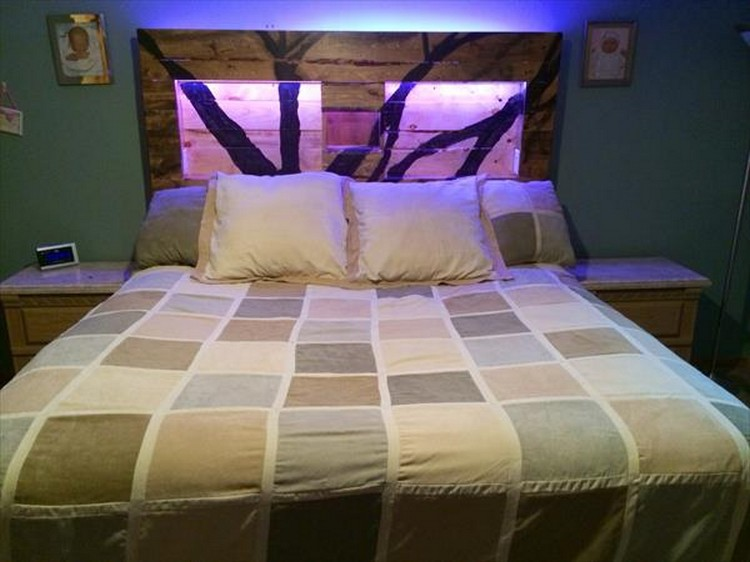 Recycled pallet headboard with lights recycled things for Diy pallet headboard king