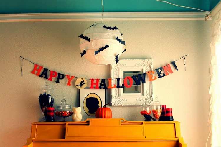 Quick and easy halloween decoration ideas recycled things for Easy halloween home decorations