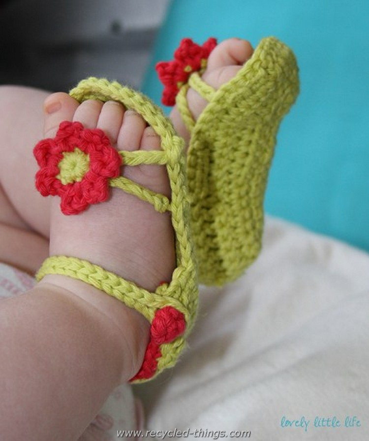 Adorable Crochet Baby Sandals free Patterns Recycled Things
