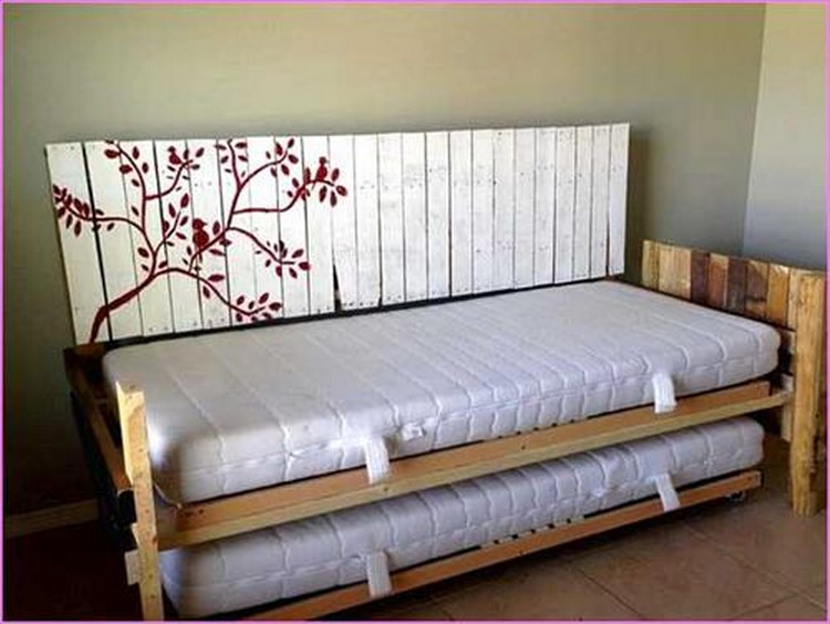 Pallet Daybed Projects