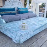 Recycled Pallet Daybed Ideas