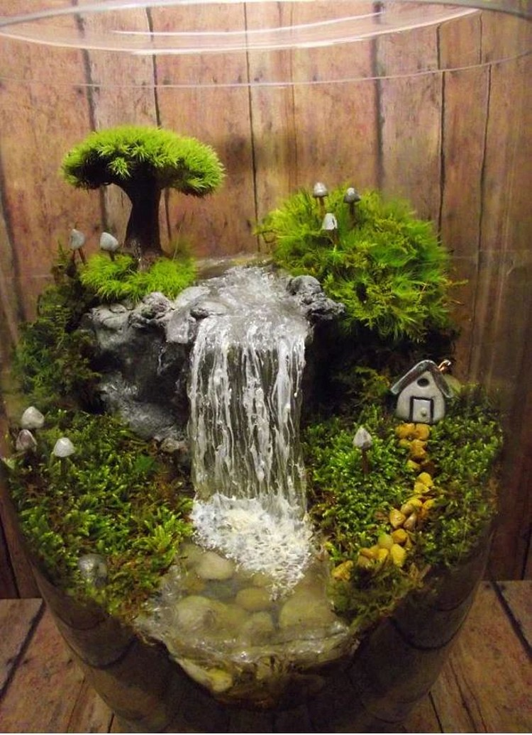 Decorate your home with terrariums recycled things for Aquarium waterfall decoration