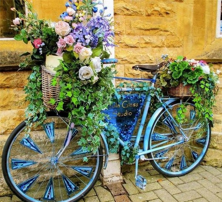 Garden Art with Upcycled Bicycle
