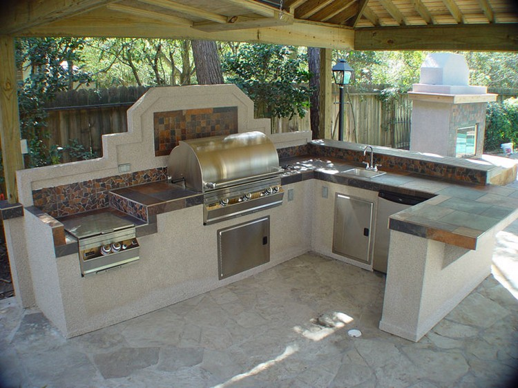 Ideas to Outdoor Kitchen