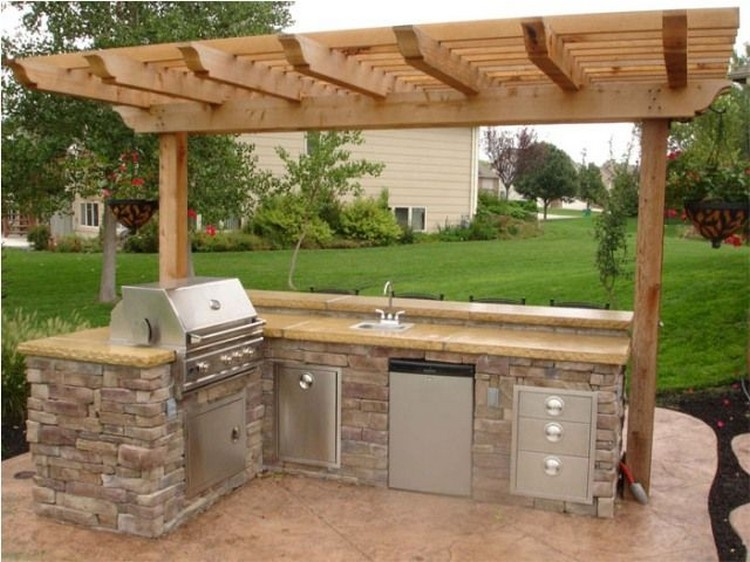 Ideas to Small Outdoor Kitchen