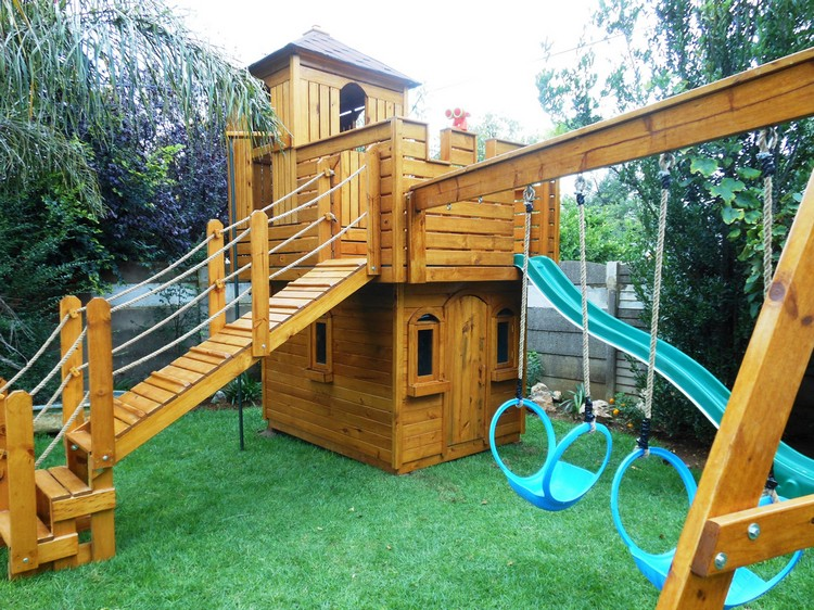 Outdoor playhouses for kids recycled things for Boys outdoor playhouse