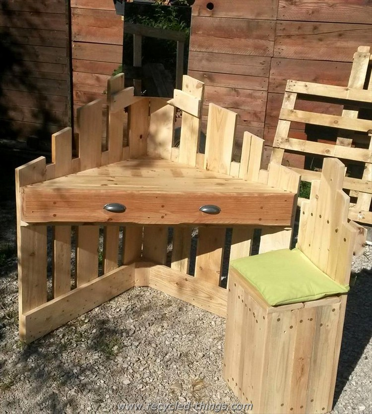 Recycled wood pallet ideas recycled things for Cool ideas for wooden pallets