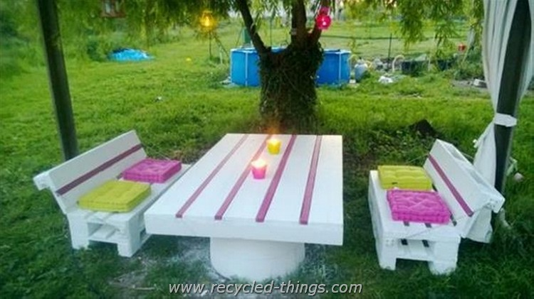 Things to make out of wooden pallets recycled things - Salon de jardin avec des palettes ...