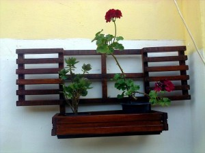 Charming Pallet Wall Planters