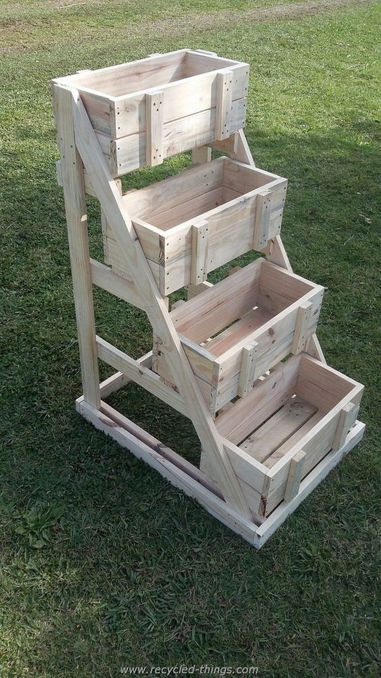 Creative things to do with wooden pallets recycled things for Making things with wooden pallets