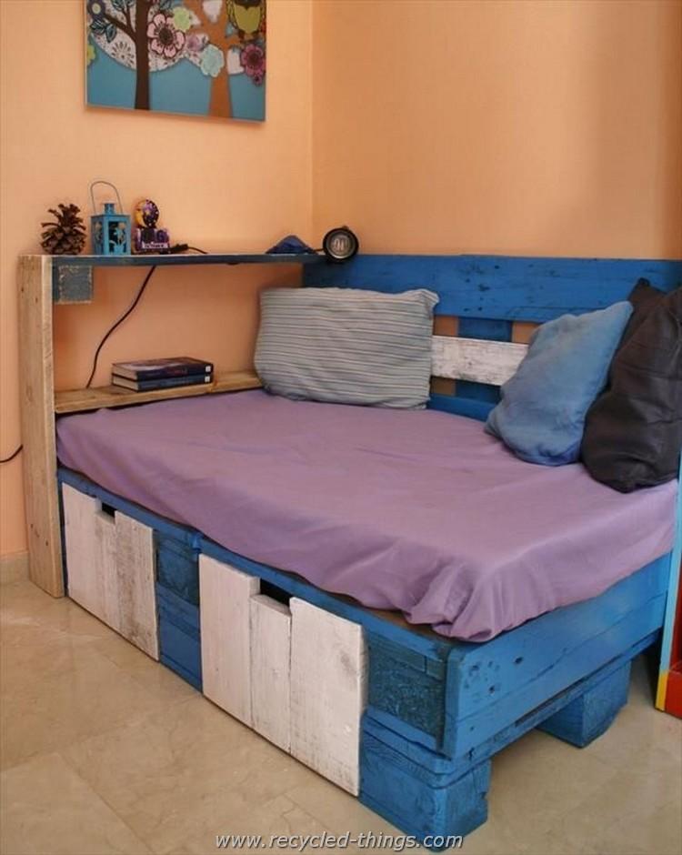 Pallet Daybed or Corner Sofa