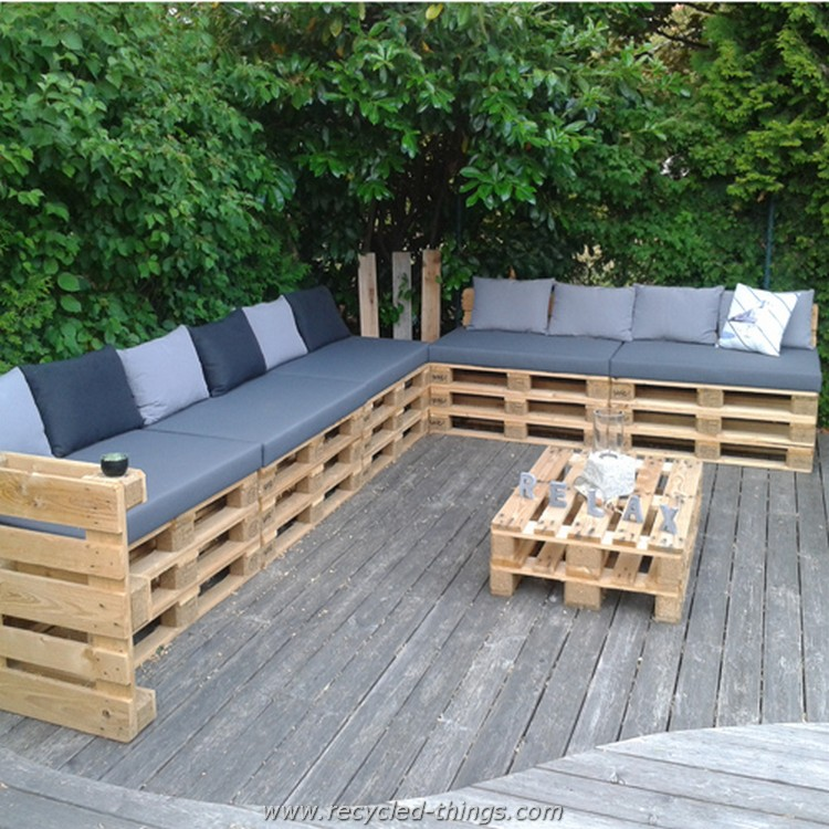 Pallet Patio Sofa with Table