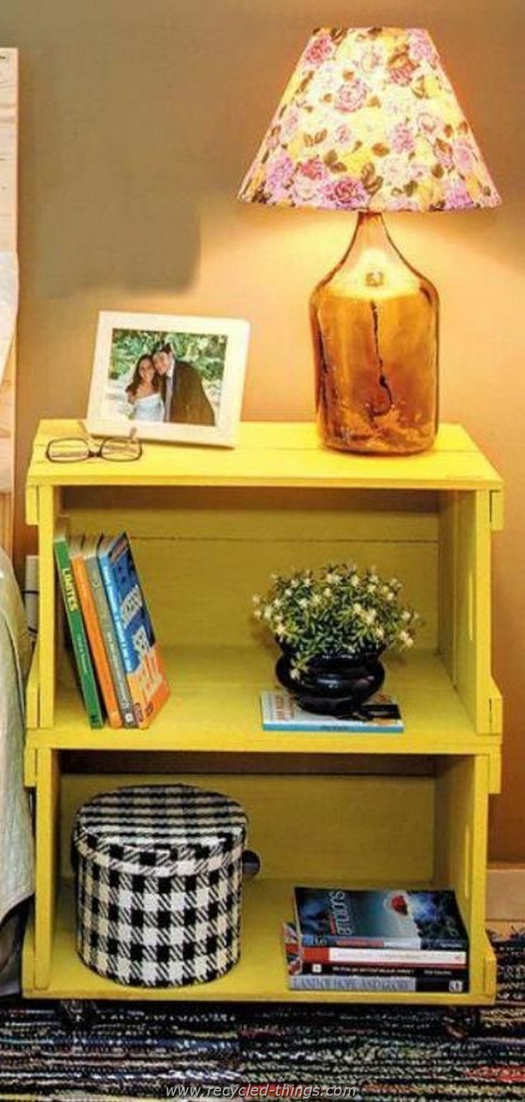 Pallet Side Table with Storage